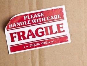 logistics-fragile-label
