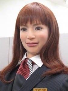 humanoid-robots-hotel-japan